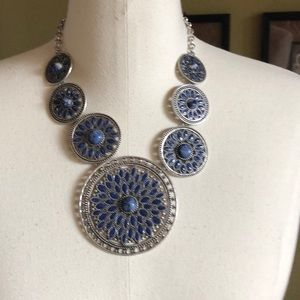 Chico's beautiful silver and blue short necklace.